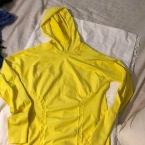 Athletes top yellow excellent condition 🏃♀️